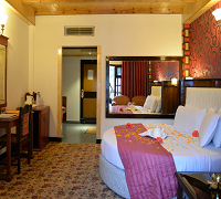 http://www.sunparkresorts.com/wp-content/themes/roya/images/Manali/Online.jpg